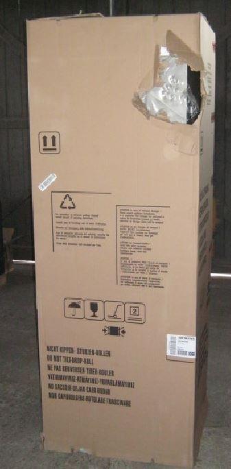 Volně stojící chladnička KG39EAI40 - poškozena přepravou