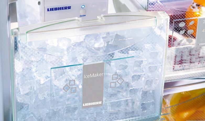 IceMaker s prípojom k vodovodu
