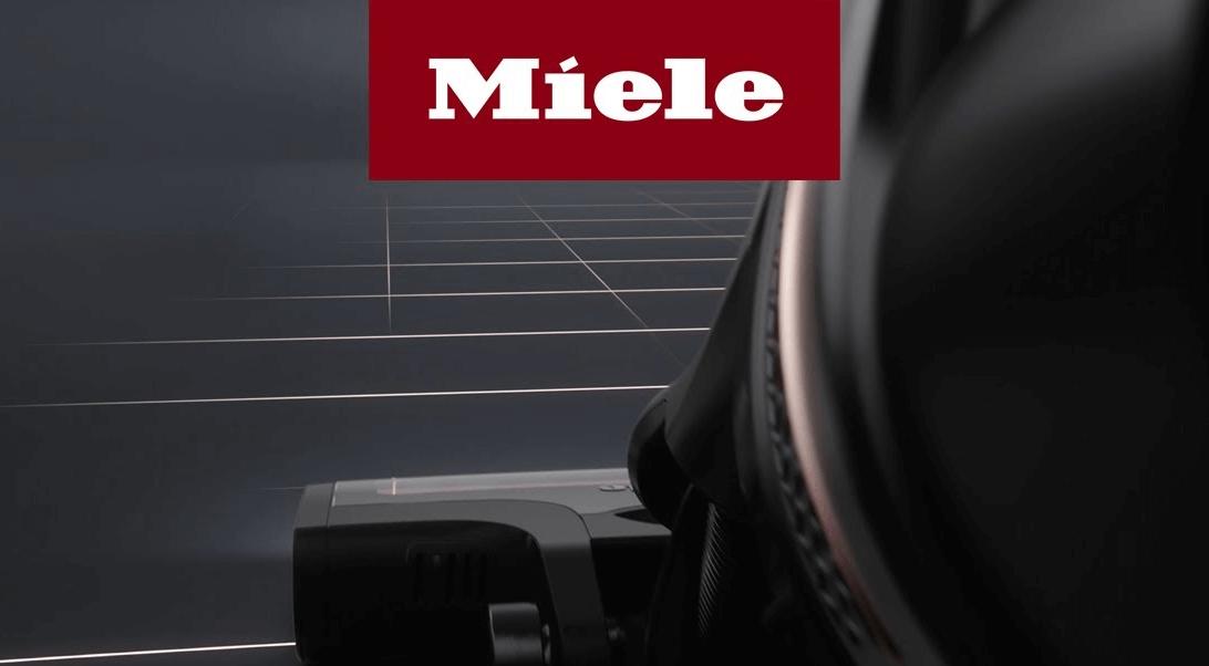 První tyčový aku vysavač Miele Triflex HX1