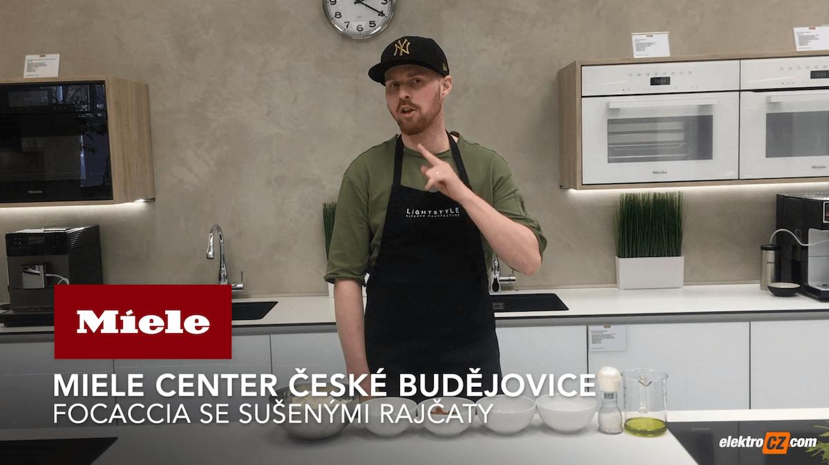 Focaccia se sušenými rajčaty | Miele Center České Budějovice