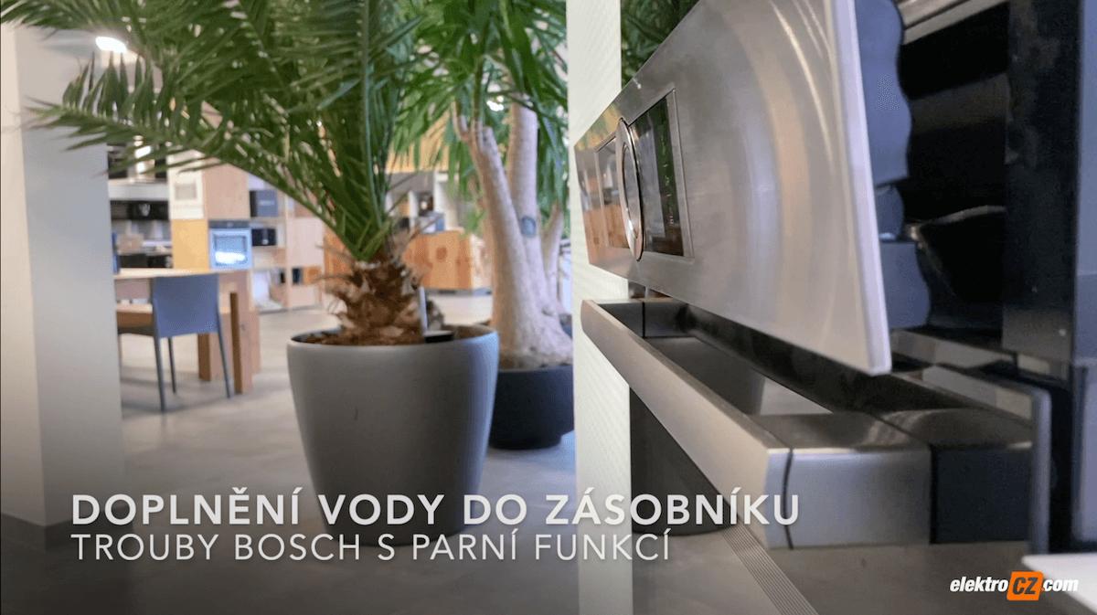 Doplnění vody do zásobníku trouby Bosch s parní funkcí
